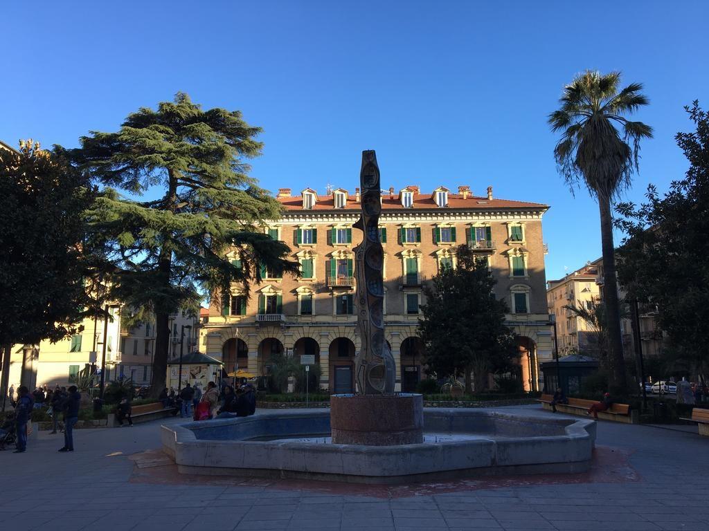 restauro fontana delle voci Piazza Brin La Spezia