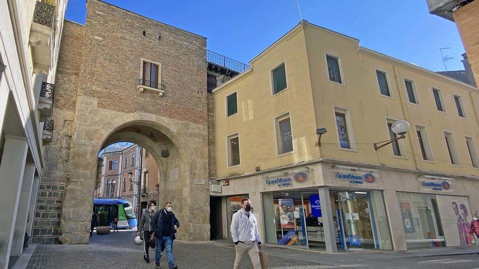 Porta Altinate - Padova - dopo il restauro di Francesca Lazzarotti